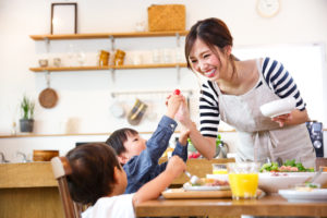 家族も喜ぶ食事補助がこれからの福利厚生の新しいカタチです!