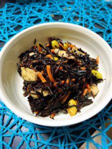 プチ社食:コク旨ひじきの煮物